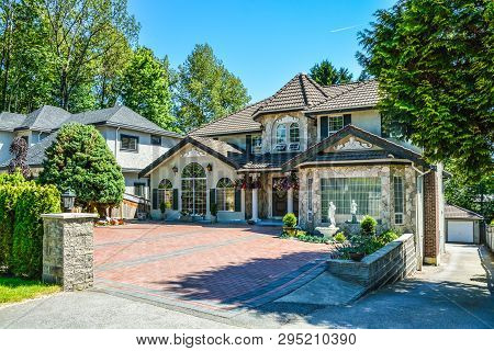 Luxury Residential House With Garage On Back Yard And Tile Paved Front Yard. Beautiful House In Subu