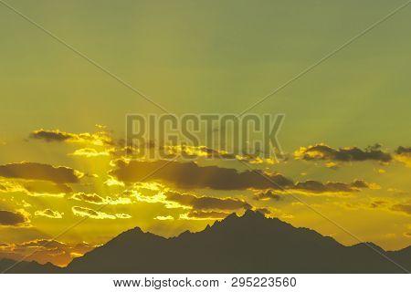 Sunset Mountain Peaks Sky. Mountain Peaks Sunset View. Mountain Sunset Sky Clouds. Toned