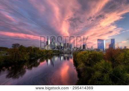 Philadelphia, Pa - October 25: View Of Downtown Philadelphia And Schuylkill River At Sunset From Spr