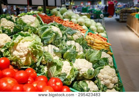 Unpacked, Fresh Vegetables In A Self-service Supermarket. Zero-waste Movement And Philosophy, Sustai