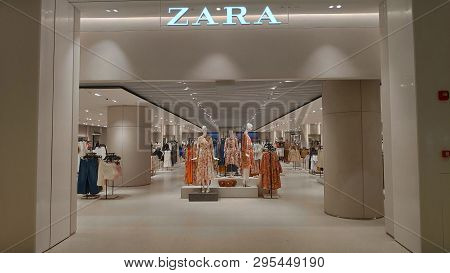 Singapore, 11 Apr, 2019: Entrance To Zara Store Located Inside The Jewal Changi Airport In Singapore
