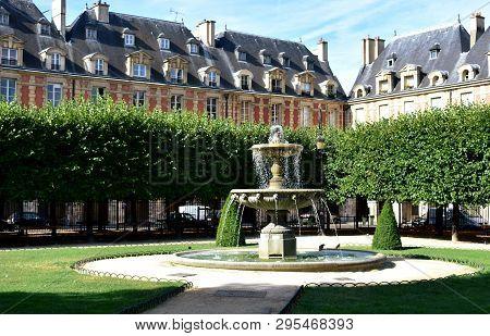 Place Des Vosges, The Oldest Square In Paris. Le Marais District. Paris, France.