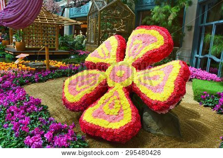 Las Vegas, Usa - March 20, 2018 : Bellagio Conservatory And Botanical Garden, Spring Display. Flower