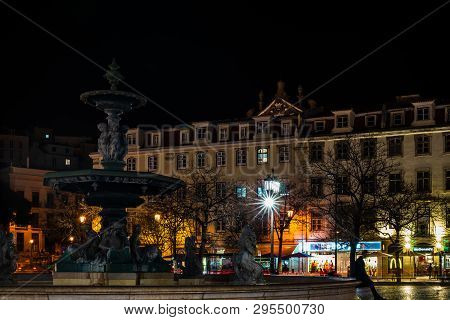 Lisbon, Portugal - 2019. Fountain In Downtown Lisbon At Night
