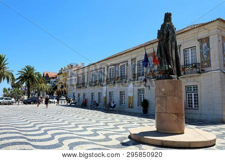 Cascais, Portugal - June 25, 2018: Central Square 5th October In Cascais With Statue Of Dom Pedro I.