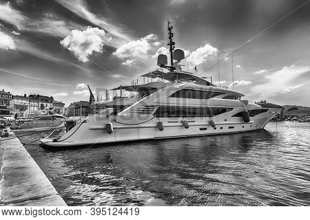 Saint-tropez, France - August 16: View Of The Old Harbor With Luxury Yachts Of Saint-tropez, Cote D'