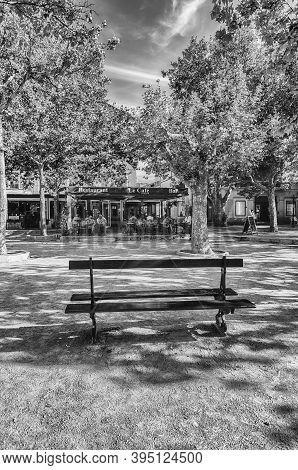 Saint-tropez, France - August 16: The Scenic Place Des Lices In Saint-tropez, Cote D'azur, France, A