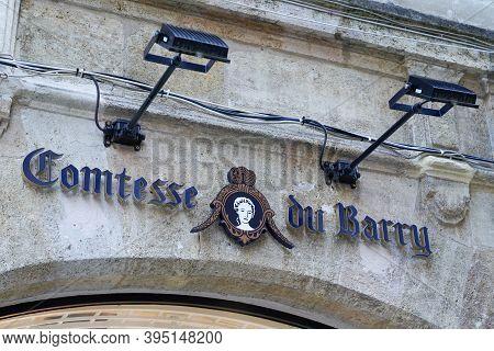 Bordeaux , Aquitaine / France - 11 11 2020 : Comtesse Du Barry Sign Logo And Text Front Of Shop Epic