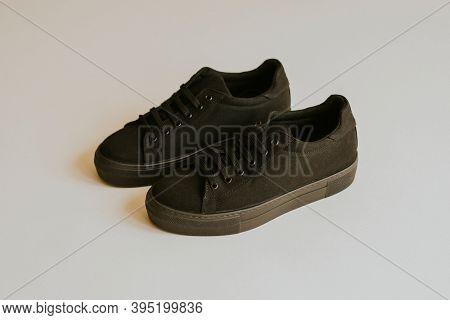 Black canvas sneakers unisex shoes