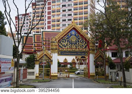 Singapore- 14 Nov, 2020: View Of Entrance Of Uttamayanmuni Buddhist Temple, Which Is A Beautiful Tem