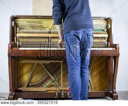 Tune Piano, Press Keys, Listen To Sound, Musical Instrument Tuner