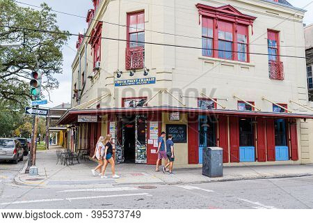 New Orleans, Louisiana - November 15: Tourists Walk Past The Entrance Of The Famous Checkpoint Charl