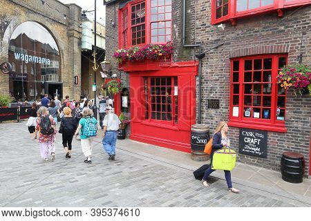London, Uk - July 8, 2016: People Visit The Anchor Pub In London. It Is A Typical London Pub. There