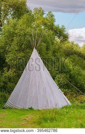 Yurt Bell Tent Teepee Wigwam Near Yhe Forest