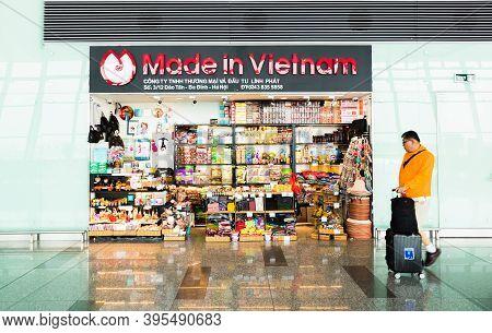 Hanoi,vietnam 27 Oct 2019 - Local Souvenir Shop At Departure Hall, Noi Bai International Airport, Ha