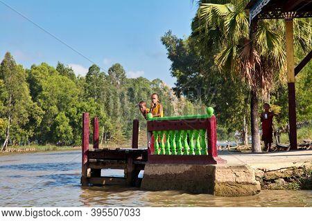 Inle Lake, Myanmar - Nov 09, 2019: Young Monks On Inle Lake In Shan State, Myanmar Former Burma. Inl