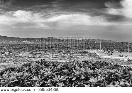 The Scenic La Ponche Beach In Central Saint-tropez, Cote D'azur, France. The Town Is A Worldwide Fam