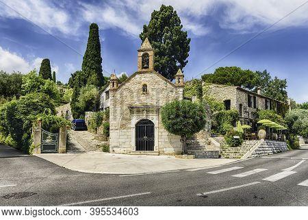 Picturesque Church In Saint-paul-de-vence, Cote D'azur, France. It Is One Of The Oldest Medieval Tow