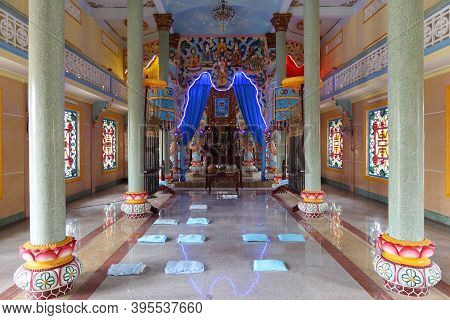Hoi An, Vietnam, November 19, 2020: Main Hall Of Worship Of The Cao Dai Temple In Hoi An