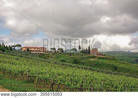 Tuscany, Italy. Villa With Typical House Of The Tuscan Countryside, An Unbelievable And Traditional