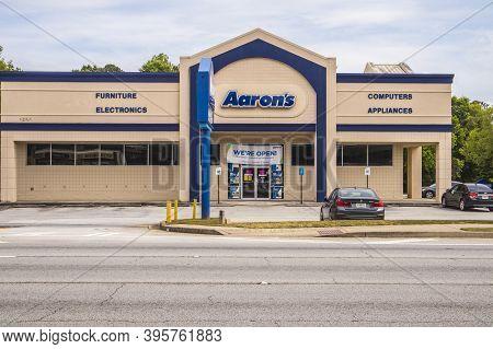 Gwinnett County, Ga  / Usa - 05 13 20: Aarons Rental Store Front Entrance