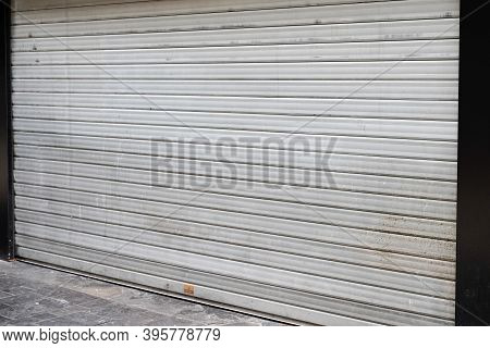 Shuttered Shop With Closing Down Out Of Business In Turn Down In The Economy