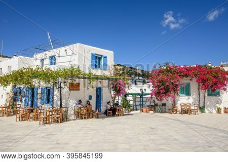 Paros, Greece - September 27, 2020: The Square With Restaurant In Front Of The Church Of Agia Triada