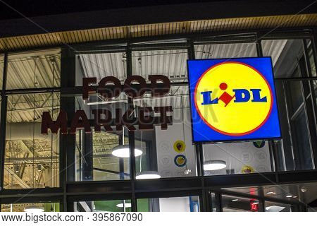 Augusta, Ga / Usa - 11 21 20: Lidl Grocery Supermarket At Night Lighted Logo Sign