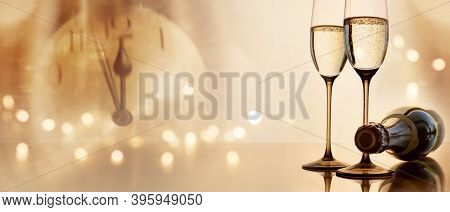 Greetings For A New Year 2021. Festive Golden New Years Eve Background With Champagne And Clock. Con