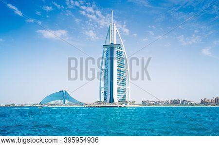 Burj Al Arab Hotel Sail On Jumeirah Beach In Dubai, Uae, 25.04.2018. Modern Architecture, Luxury Bea