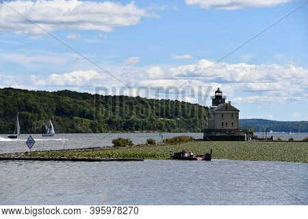 Kingston, Ny - Aug 30: Rondout Lighthouse On The Hudson River In Kingston, New York, As Seen On Aug