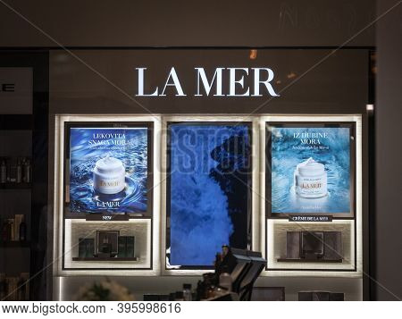 Belgrade, Serbia - September 17, 2020: La Mer Logo On A Shelf Of Products Of The Brand. Part Of Este