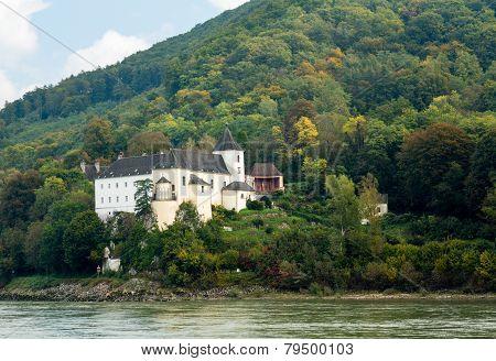Pfarre Schonbuhel Or Schoenbuehel On Danube Riverbank