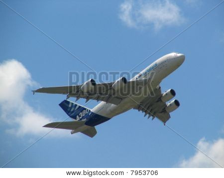 Airbus A380 The Largest Plane