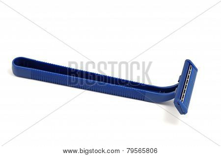 Disposable safety razor