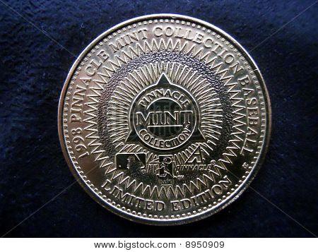 1998 randy jhonson pinnacle coin