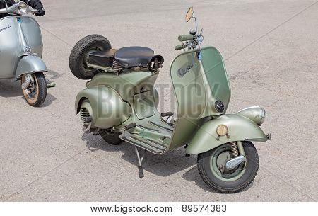 Italian Scooter Vespa 125 (1950)
