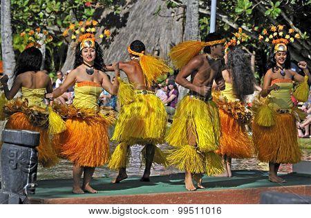 Polynesian dancers