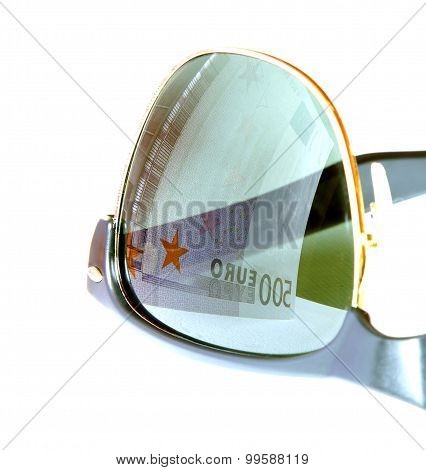 Five Hundred Euro Reflected In Sunglasses