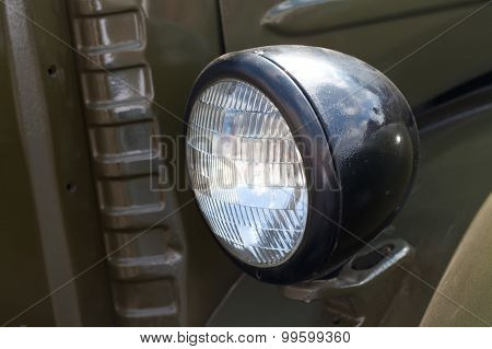Old Fashioned Dark Green Truck Lamp