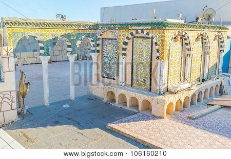 The Tiled Archs