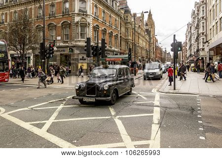 London Crowded Street