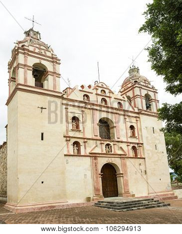 The Temple And Ex Convent Of San Jeronimo, Tlacochahuaya, Oaxaca, Mexico