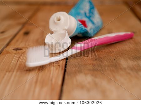 Brush Teeth,  Thoroughly Clean The Teeth