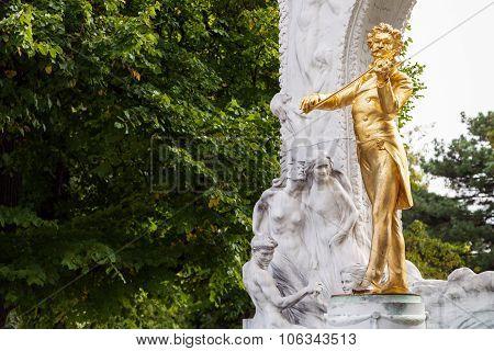 Bronze Statue Johann Strauss In Stadtpark, Vienna