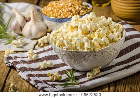 Domestic Organic Popcorn With Herbs