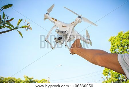 Bangkok Thailand-november2 : Man Hand Readching To Landing Approch Of Dji Phantom 3 Professional Aga