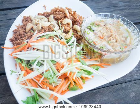 Spicy Deep Fried Tuna Salad