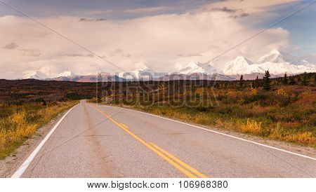 Highway Passes Through Changing Colors Alaska Mountains Autumn Season