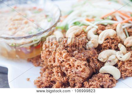 Spicy Crispy Tuna With Green Mango Salad